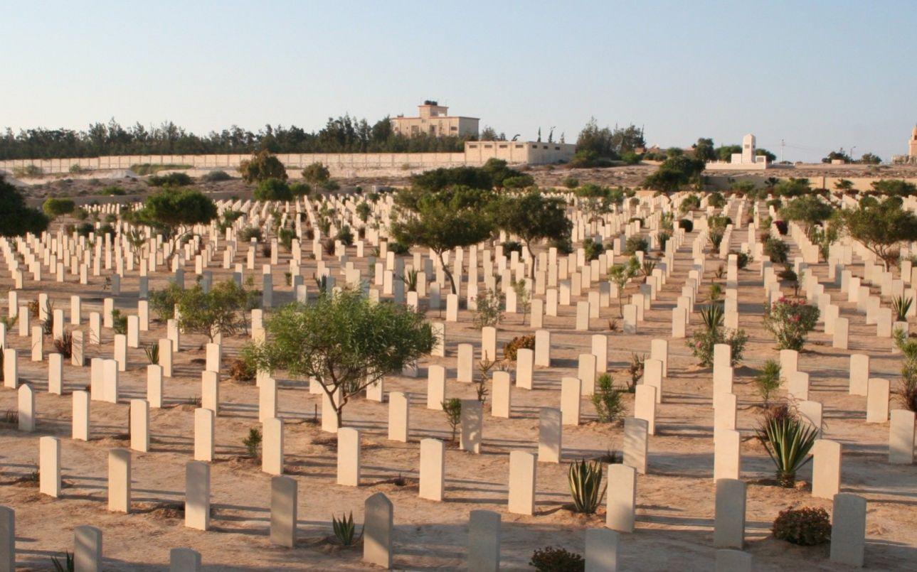 Το Μνημείο Αλαμέιν τιμά τη μνήμη των σχεδόν 12.000 ανδρών της βρετανικής Κοινοπολιτείας που σκοτώθηκαν στην Αφρική κατά τη διάρκεια του Β' Παγκοσμίου Πολέμου. Στο Ελ Αλαμέιν της Αιγύπτου δόθηκε και η μάχη που ήταν καθοριστική για τη νίκη των Συμμάχων, τον Οκτώβριο και το Νοέμβριο του 1942.