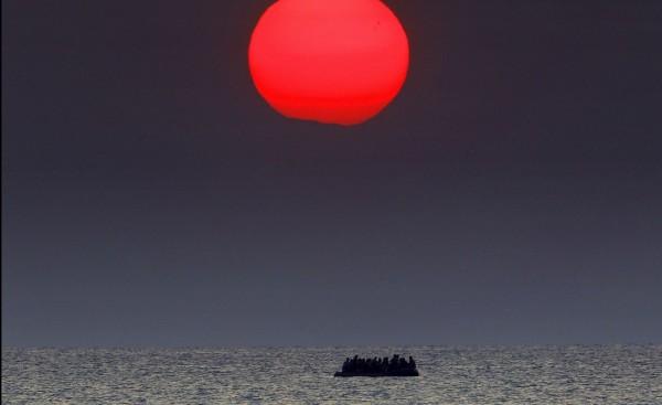 Το δράμα των προσφύγων... κόντρα στην ομορφιά του Αιγαίου