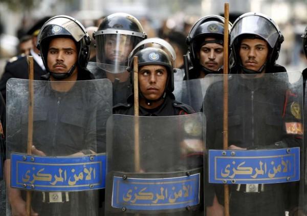 2016-01-19T122059Z_374307160_GF20000099779_RTRMADP_3_EGYPT-ANNIVERSARY