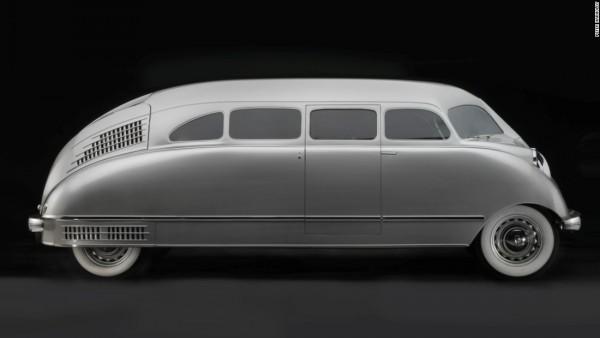 Voisin C27 Aerosport Coupe του 1934 Εχει χαρακτηριστεί ως «κινητό γλυπτό» και συνδυάζει τις καμπύλες γραμμές της γαλλικής σχολής με πινελιές Αρτ Ντεκό, τόσο εξωτερικά όσο και στο εσωτερικό του.