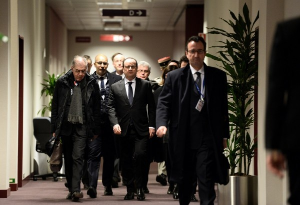 French President Francois Hollande arrives to attend a bilateral meeting during a European Union leaders summit addressing the talks about the so-called Brexit and the migrants crisis, in Brussels, Belgium, February 18, 2016. REUTERS/Stephane De Sakutin/Pool