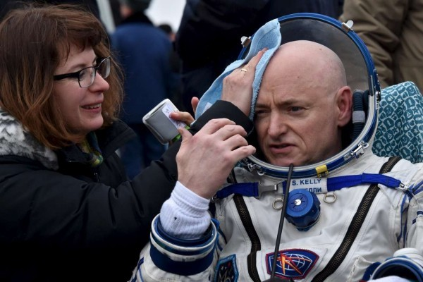 2016-03-02T060937Z_97709883_GF10000330194_RTRMADP_3_SPACE-STATION-ASTRONAUTS