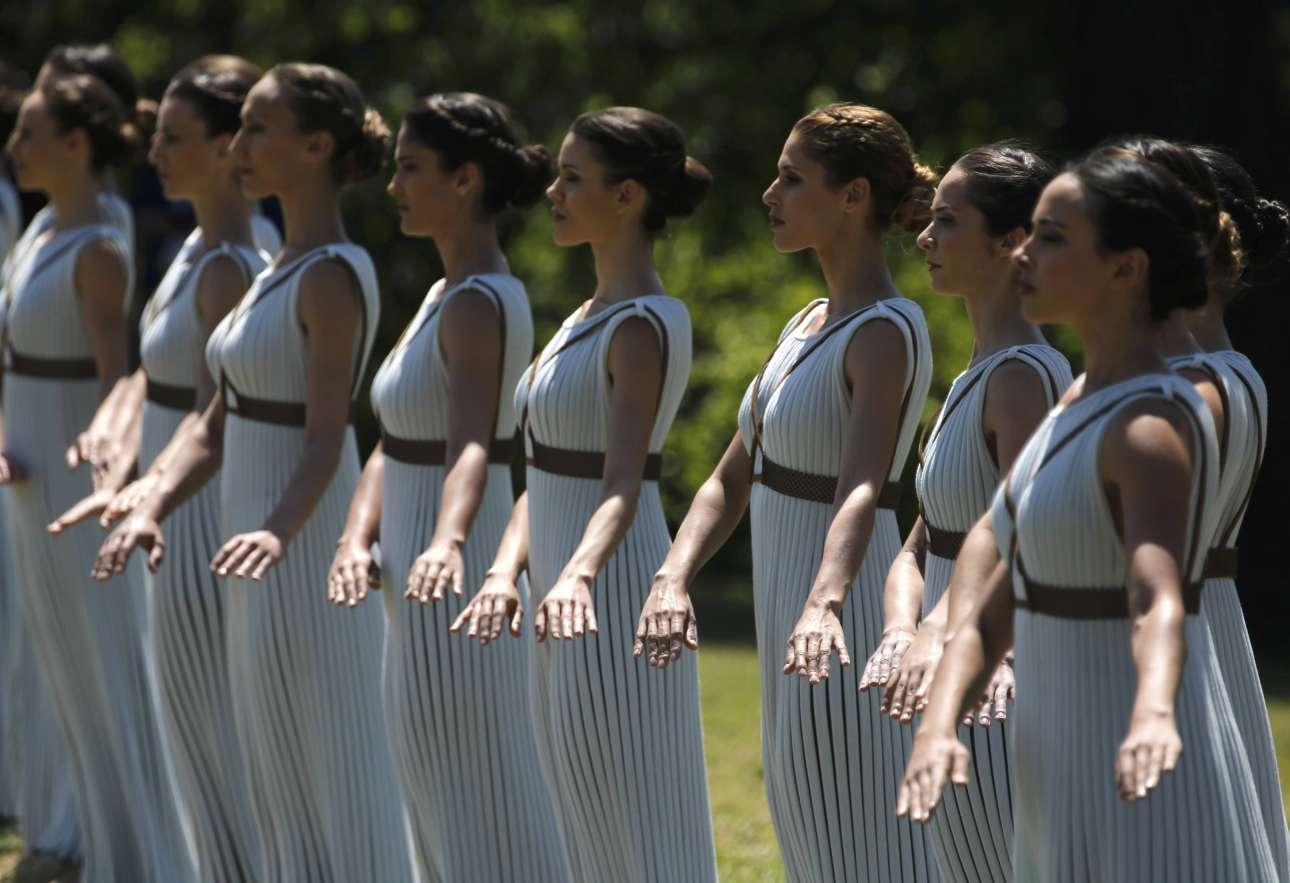 Το τελετουργικό συνέθεσε η χορογράφος Αρτεμις Ιγνατίου υπό τους ήχους της μουσικής του συνθέτη Γιάννη Ψειμάδα. Το εκτέλεσαν 29 ιέρειες
