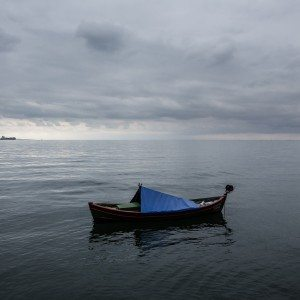 A boat in the seafront area of Thessaloniki on October 14, 2015. / Μια βάρκα στην παραλία της Θεσσαλονίκης, 14 Οκτωβρίου 2015.