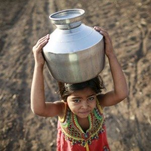 2016-04-26T230456Z_285456143_GF10000392496_RTRMADP_3_INDIA-DROUGHT