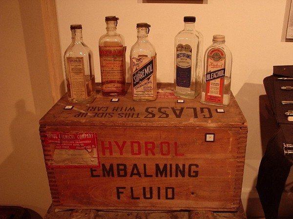 800px-Embalming_fluid