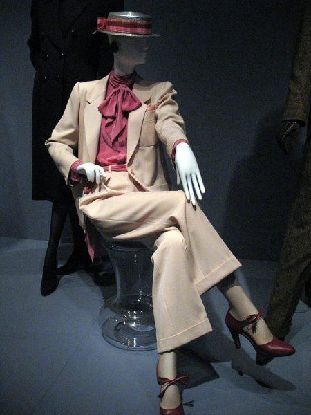 800px-Yves_St_Laurent_deYoung_Museum_San_Francisco