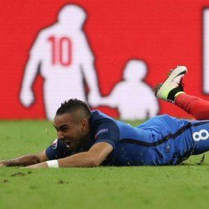 Ο... νέος γάλλος ήρωας πανηγυρίζει (Reuters)