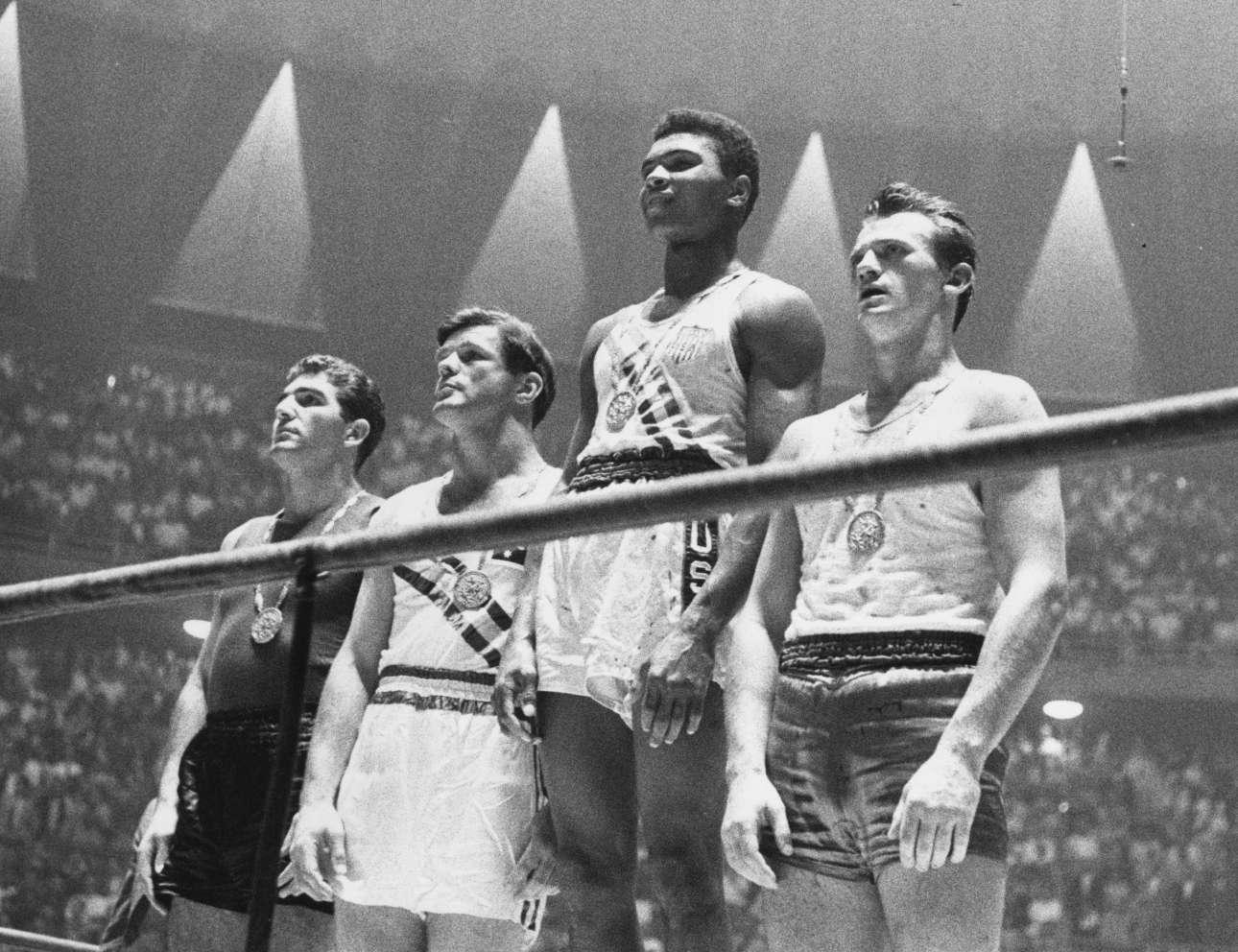 Οταν άρχισαν όλα. Ολυμπιακοί Αγώνες της Ρώμης, Σεπτέμβριος 1960. Ο 18χρονος ερασιτέχνης πυγμάχος Κάσιους Κλέι, χρυσός ολυμπιονίκης στην κατηγορία των βαρέων.