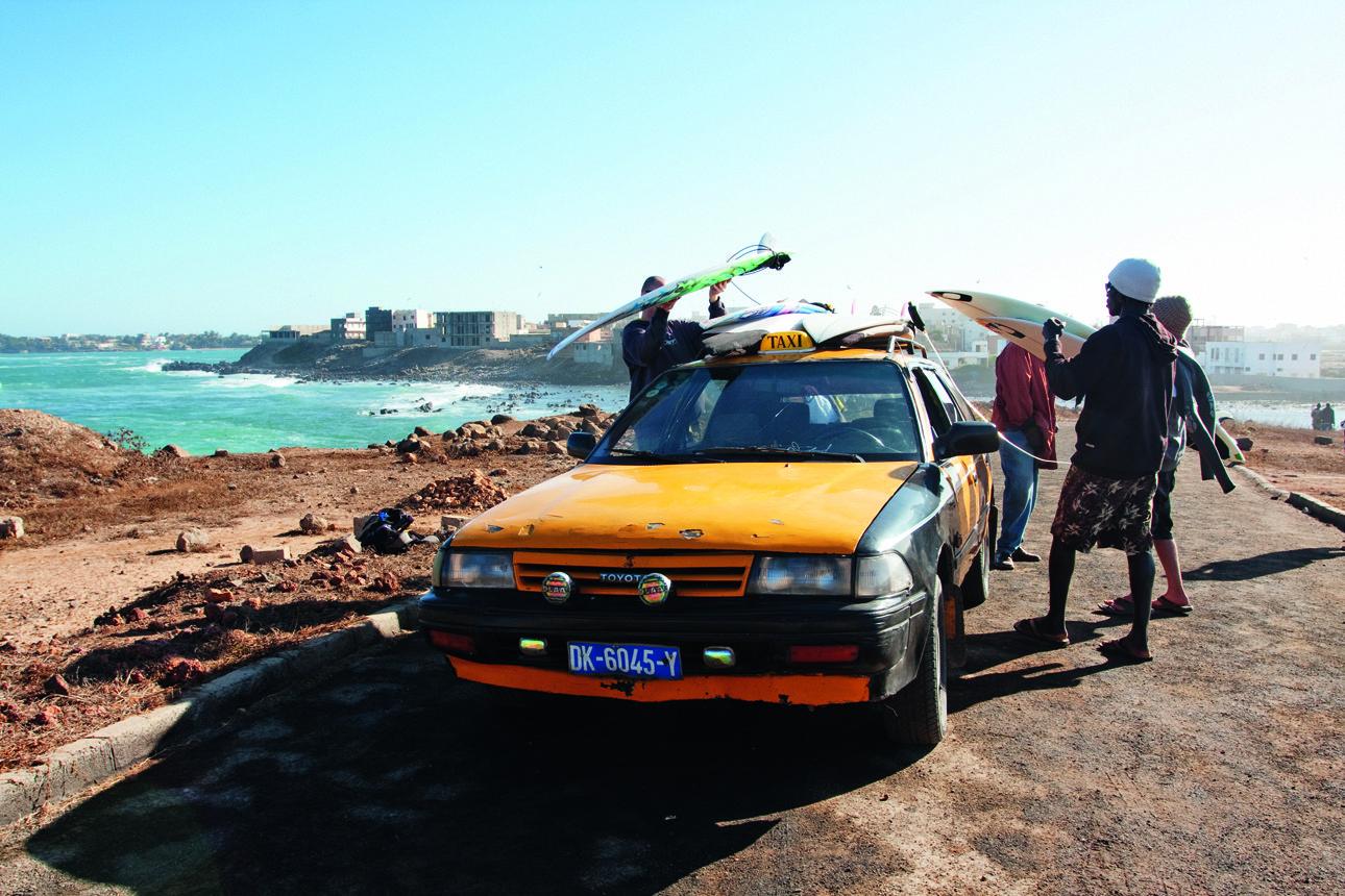 Πηγαίνοντας για σερφ στο Κέιπ Τάουν της Αφρικής, με ένα ταξί