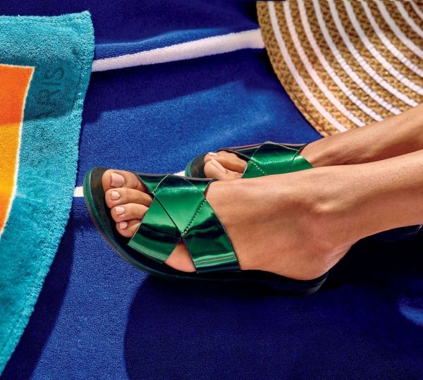 00-sandals-and-pedicures