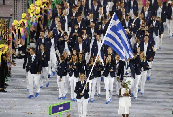 Η Ελλάδα ανοίγει την παρέλαση