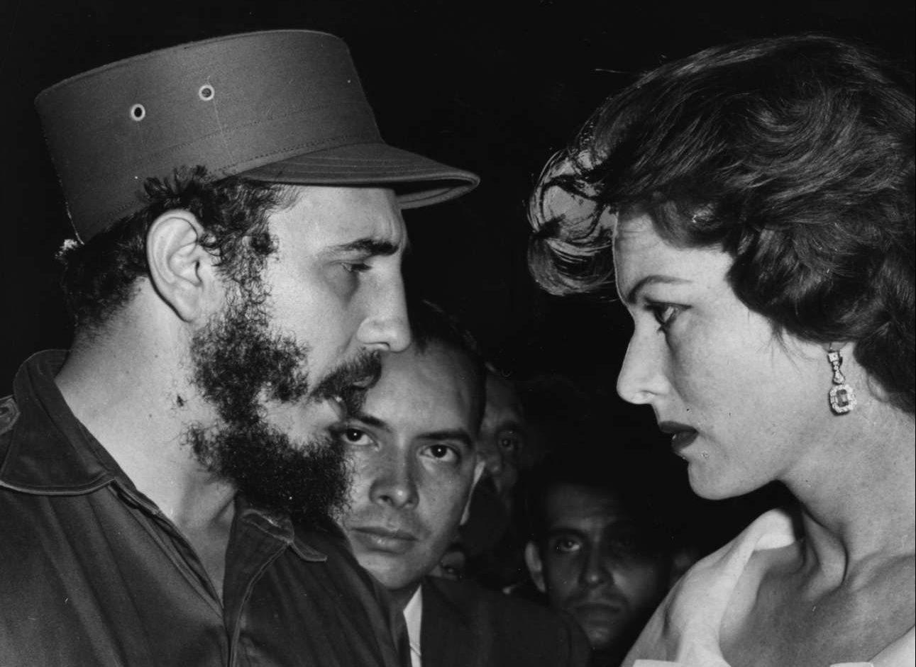 Αρχές του 1959. Ο Φιντέλ επισκέπτεται τα γυρίσματα της ταινίας «Our Man in Havana» του Κάρολ Ριντ και συναντά τη διάσημη ηθοποιό Μορίν Ο Χάρα