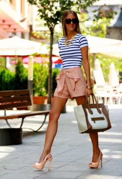 Street-Style-Ideas-With-Stripes-Striped-Top-7