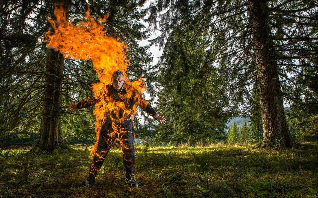 Η μεγαλύτερη διάρκεια που ένας άνθρωπος άφησε το σώμα του να καίγεται είναι 5 λεπτά και 41 δευτερόλεπτα. Ο κάτοχος του ρεκόρ λέγεται Γιόζεφ Τόντλινγκ και ζει στην Αυστρία