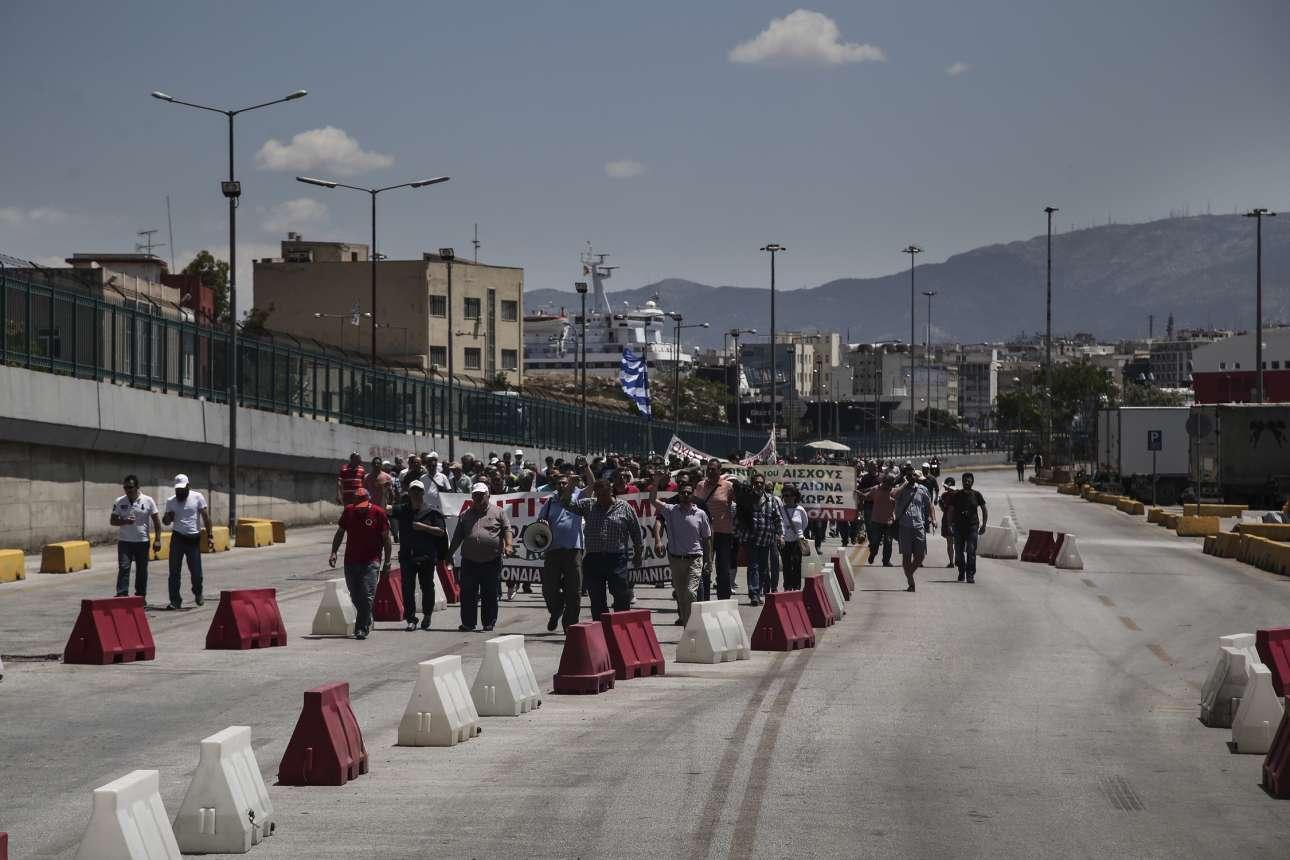 Διαμαρτυρία για την ιδιωτικοποίηση του ΟΛΠ. Σε στενό κύκλο (Nikos Libertas / SOOC)