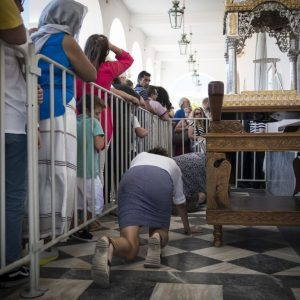 Χιλιάδες προσκυνητές έλαβαν μέρος στον εορτασμό της Κοιμήσεως της Θεοτόκου, Τήνος, 15 Αυγούστου 2016.