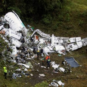 2016-11-29T132153Z_1208457201_RC128016F3B0_RTRMADP_3_COLOMBIA-CRASH