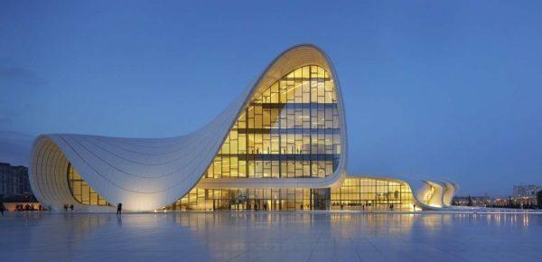Arch2O-Zaha-Hadid-Heydar-Aliyev-Center-HAC_Exterior_Photo-by-Hufton+Crow-2