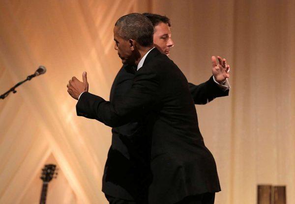 CUSTOMS_hug_Obama_Rentzi