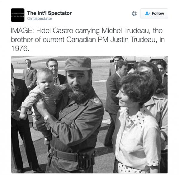 Η λεζάντα της φωτογραφίας λέει: Ο Φιντέλ Κάστρο κρατά τον Μάικλ Τριντό, τον αδελφό του σημερινού καναδού πρωθυπουργού Τζάστιν Τριντό το 1976». Λεπτομέρεια: Ο Τζάστιν είχε γεννηθεί το 1971