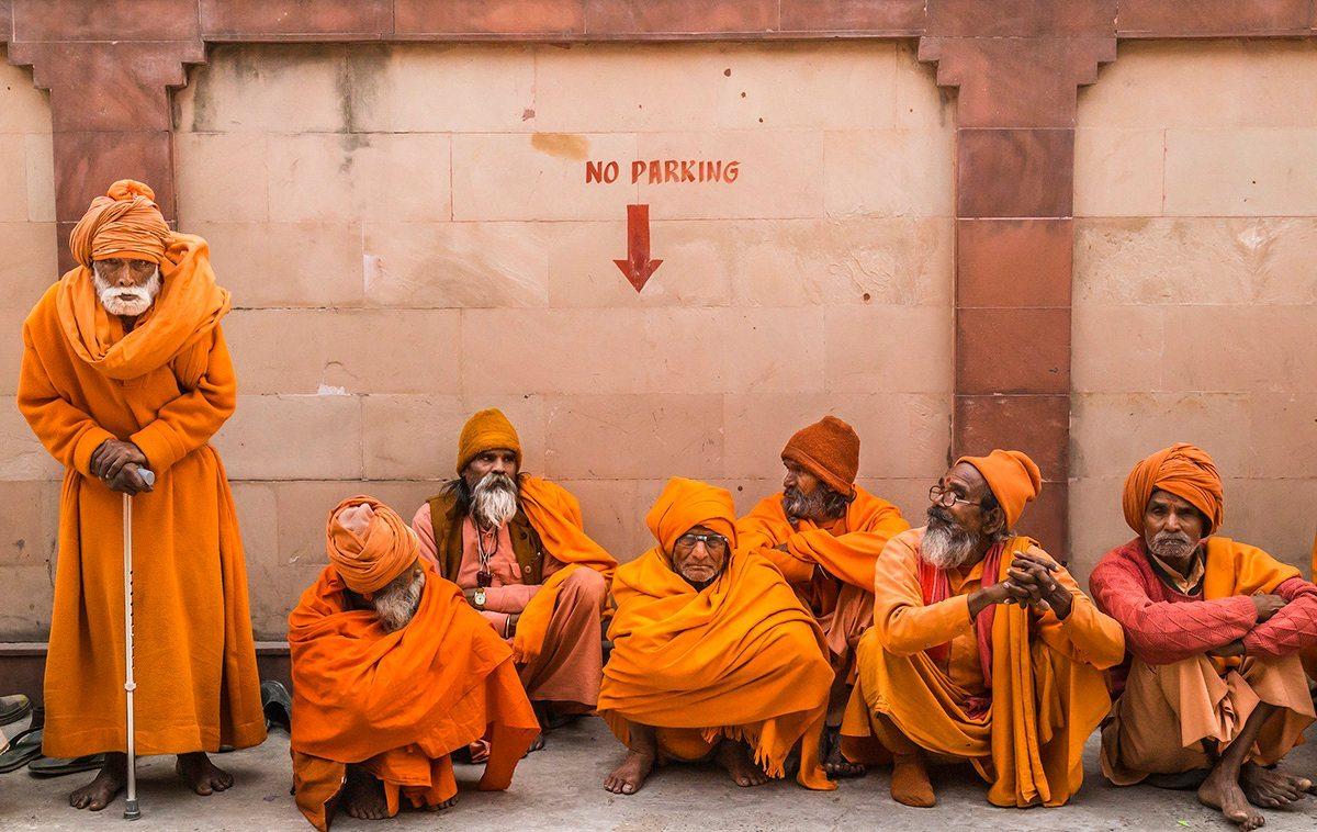Eιδική Μνεία, κατηγορία Ανθρωπότητα: Αγιοι Sadhus ταξίδεψαν χιλιόμετρα για να παραβρεθούν στο μαζικό προσκύνημα Hindu στη βόρεια Ινδία