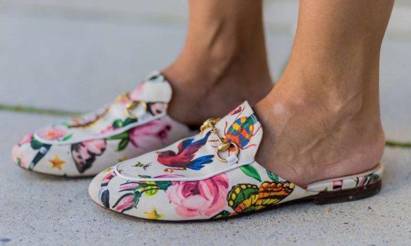 Αλλά δεν είναι μόνο τα ρούχα τελικά. Είναι και τα παπούτσια. Όπως τα  μοκασίνια Gucci. Είναι ανδρικά ή γυναικεία  Το καταλαβαίνεις μόνο από το  νούμερο… 64cba222e2c