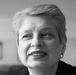 Νίνα Χρούστσεβα
