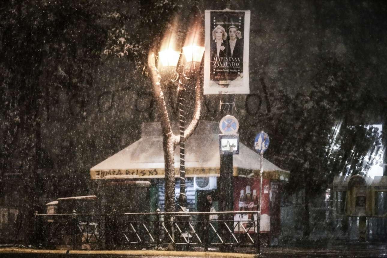 Το χιόνι εξωραΐζει και τις κλασικές ασχήμιες της πρωτεύουσας