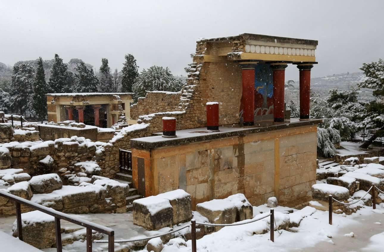 Ο αρχαιολογικός χώρος της Κνωσού καλυμμένος από το χιόνι