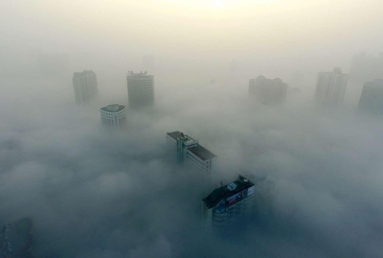 Εκατοντάδες πτήσεις από και προς την κινεζική πρωτεύουσα ακυρώθηκαν μέσα στις γιορτές εξαιτίας του νέφους