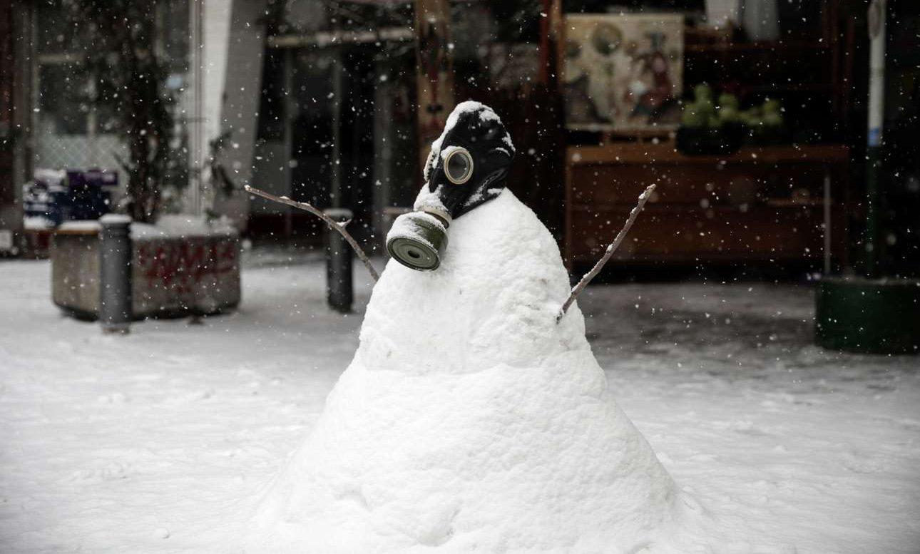 Ευκαιρία για έναν κάπως χίπστερ χιονάνθρωπο στο κέντρο.