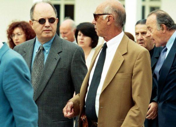 Ο Σταύρος Ψυχάρης (αριστερά) με τον Χρήστο Λαμπράκη