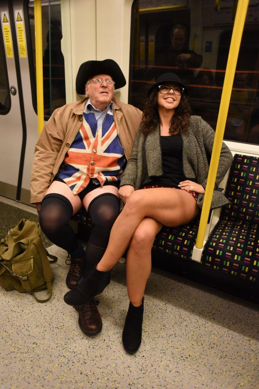 Λονδίνο/ Μικροί και μεγάλοι συμμετέχουν στον ιδιαίτερο θεσμό