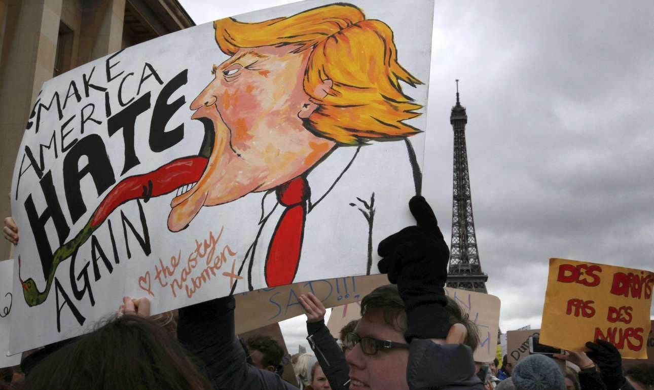 2017-02-04T155552Z_1212602248_LR1ED24188TBO_RTRMADP_3_USA-TRUMP-PROTESTS-FRANCE