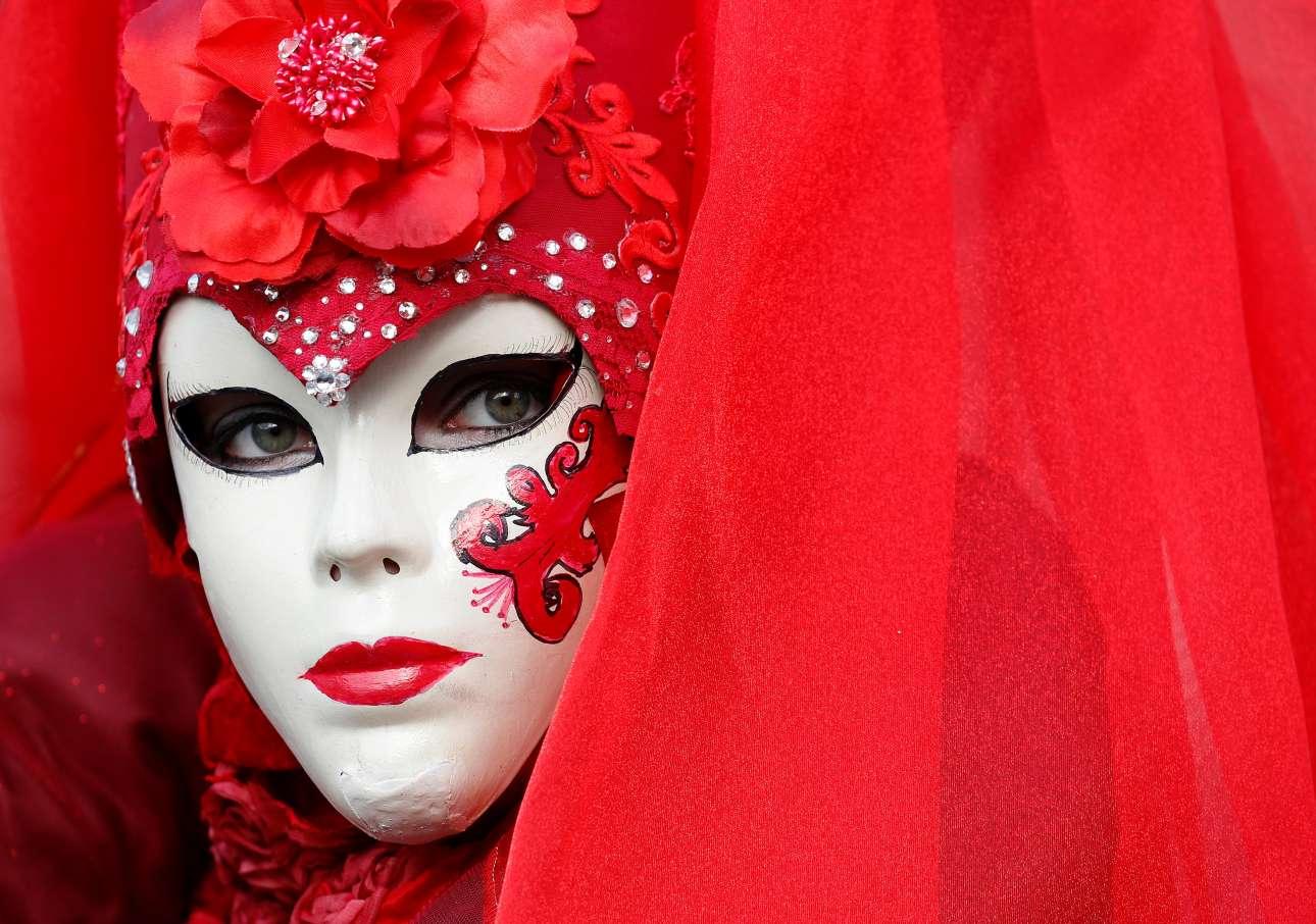 Η Βενετσιάνα με τα κόκκινα...