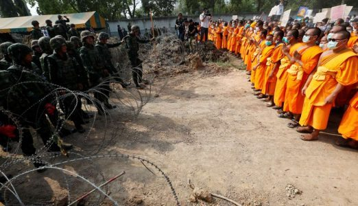2017-02-23T043314Z_695303170_RC1750BC0A90_RTRMADP_3_THAILAND-BUDDHISM