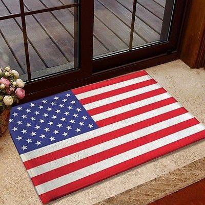 Χαλάκι εισόδο με την αμερικανική σημαία. Οταν κυκλοφόρησε με ελληνική σημαία, έγινε ως και ερώτηση στη Βουλή