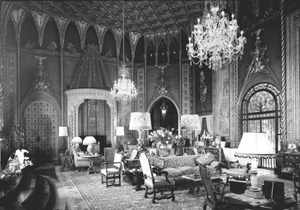 gallery-1469546699-mar-a-lago-living-room-looking-southwest-1967