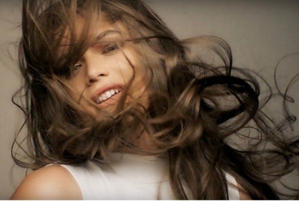 modelo-brasileira-trans-valentina-sampaio-capa-vogue-francesa