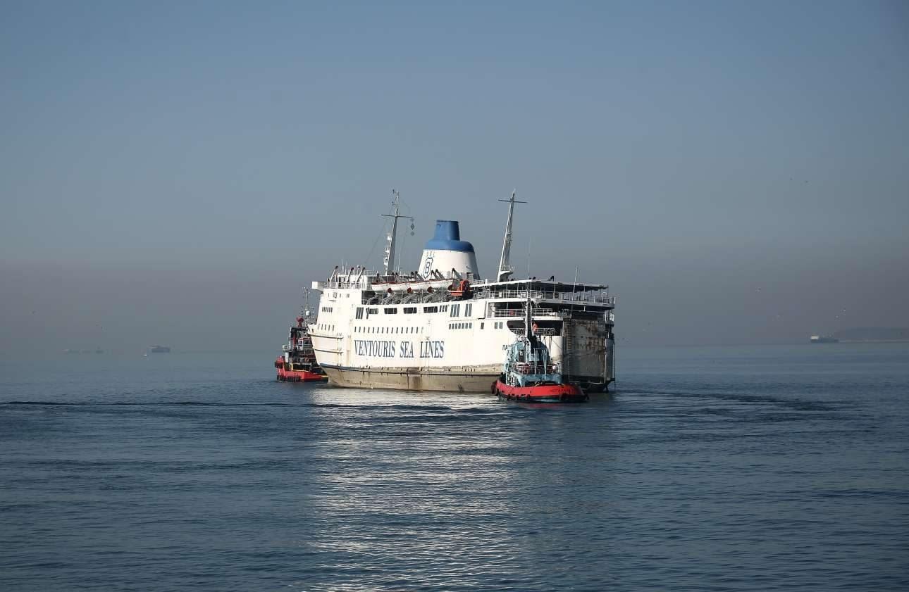 Ο απόπλους του πλοίου προς το παράλια της Τουρκίας