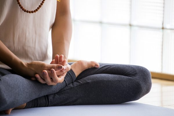 Yoga_360192704