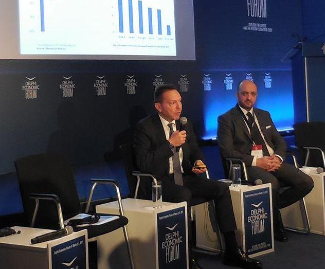 O διοικητής της Τράπεζας της Ελλάδας Γιάννης Στουρνάρας, εμφανίστηκε αιαιόδοξος για τις αναπτυξιακές προοπτικές της ελληνικής οικονομίας, αρκεί η αξιολόγηση να κλείσει άμεσα