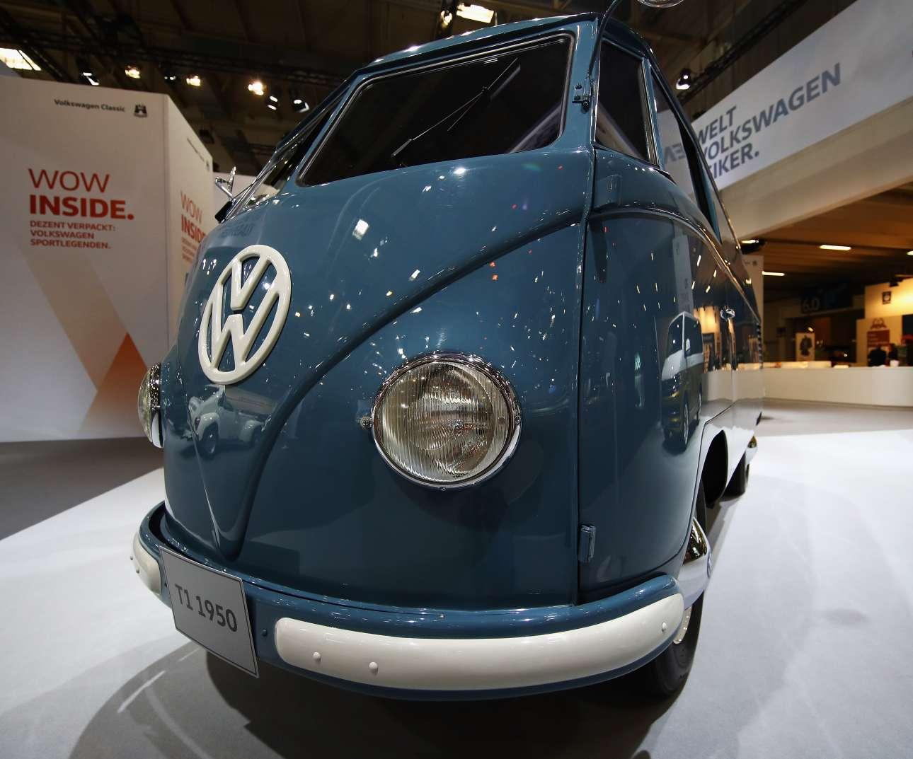 Το θρυλικό βαν Volkswagen Type 2, T1 της δεκαετίας του 1950, ένα όνειρο για τους απανταχού συλλέκτες