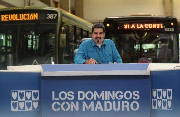 2017-05-22T015629Z_1741752743_RC1E8F13AA00_RTRMADP_3_VENEZUELA-POLITICS
