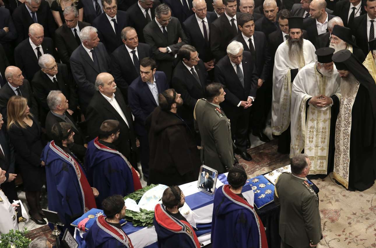 Ο πολιτικός κόσμος αποχαιρετά τον Κωνσταντίνο Μητσοτάκη