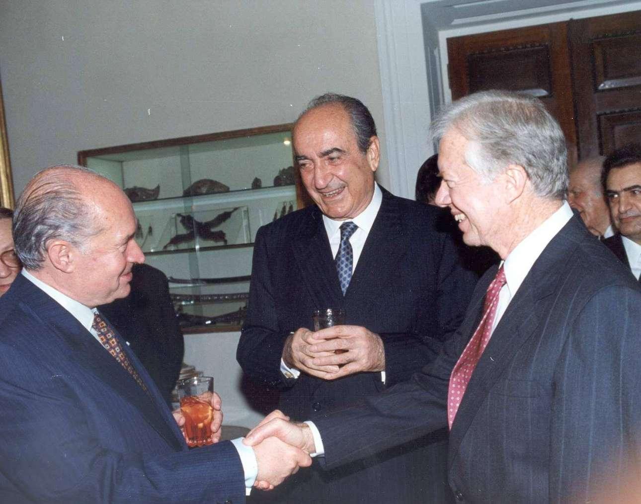Απρίλιος 1991. Με τον πρόεδρο της Κυπριακής Δημοκρατίας Γιώργο Βασιλείου και τον πρώην πρόεδρο των ΗΠΑ Τζίμι Κάρτερ
