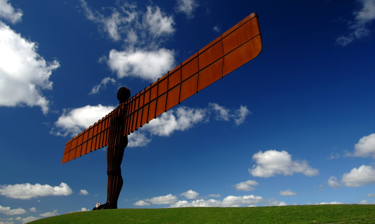 Angel_of_the_North_Wikipedia_1_1290