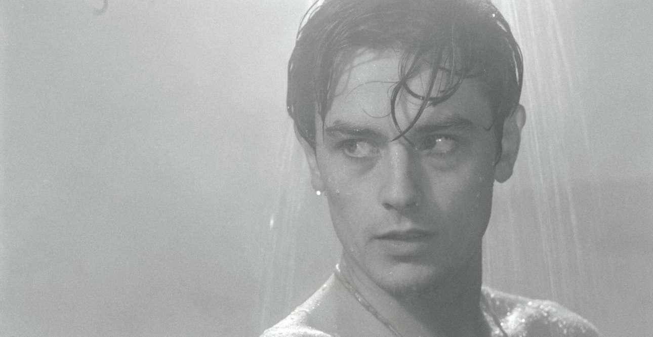 Στον ρόλο που -μαζί με το «Γυμνοί στον Ηλιο»- τον έκανε παγκοσμίως διάσημο. Ο πυγμάχος Ρόκο, στο εμβληματικό φιλμ του Λουκίνο Βισκόντι «Ο Ρόκο και τ' Αδέλφια του».