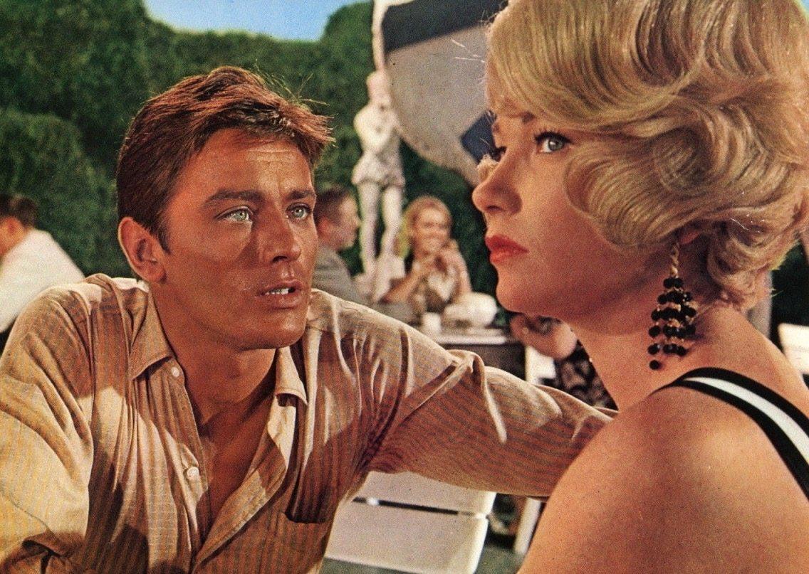 Με τη Σίρλεϊ ΜακΛέιν στην «Κίτρινη Ρολς-Ρόις» (1965)